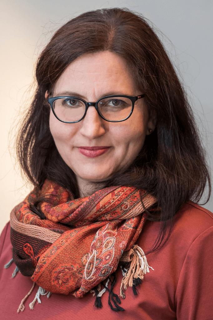 Andrea Lanczos lektorka nenasilnej komunikacie Inklucentrum 1